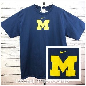 Michigan Wolverines Nike T-Shirt Blue Large S/S